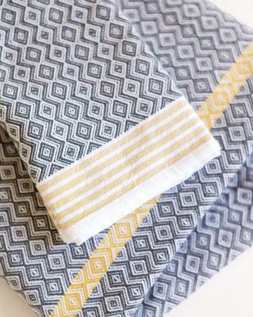 Mungo Itawuli in cango grey colourway. A lightweight, long-lasting towel.