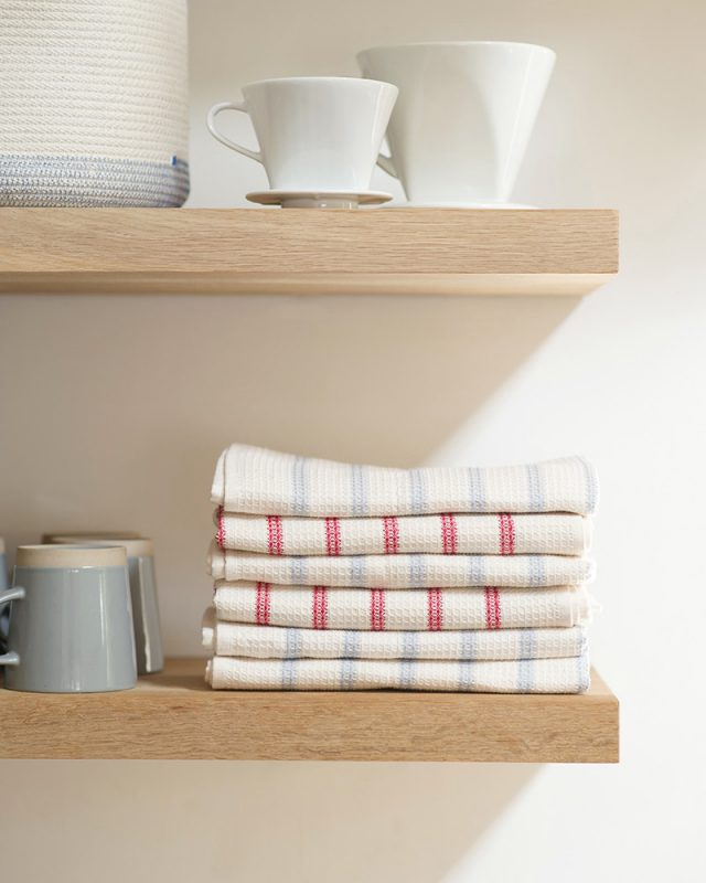 Mungo Natural Cotton Waffle Weave Tea Towel. Natural fibre homeware textiles designed, woven, made in South Africa