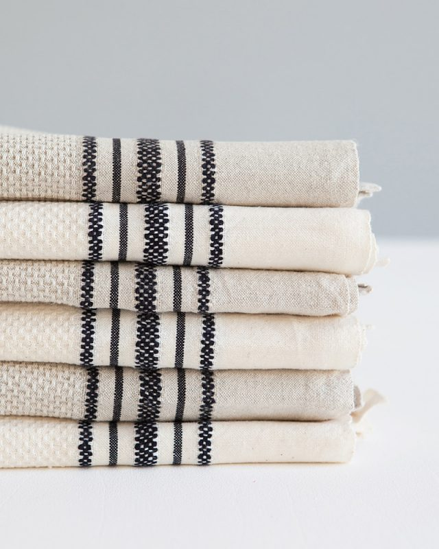 Classic cotton and linen utility cloth for the kitchen, woven by Mungo