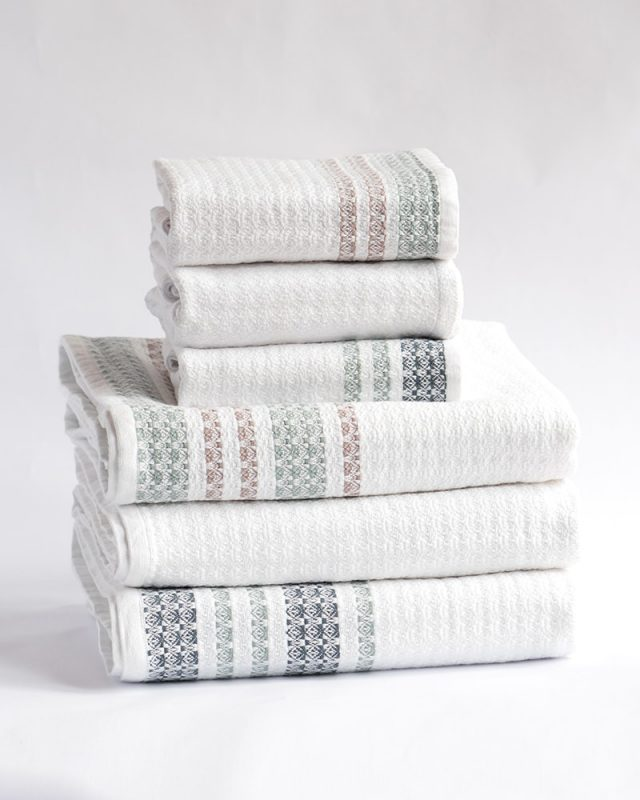 Mungo Organic Towel - a soft & airy organic bath sheet and hand towel made in South Africa