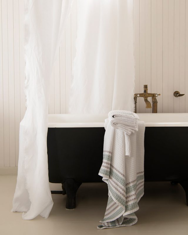 Mungo GOTS-certified organic towel - the Aegean. Non-toxic to soil and skin