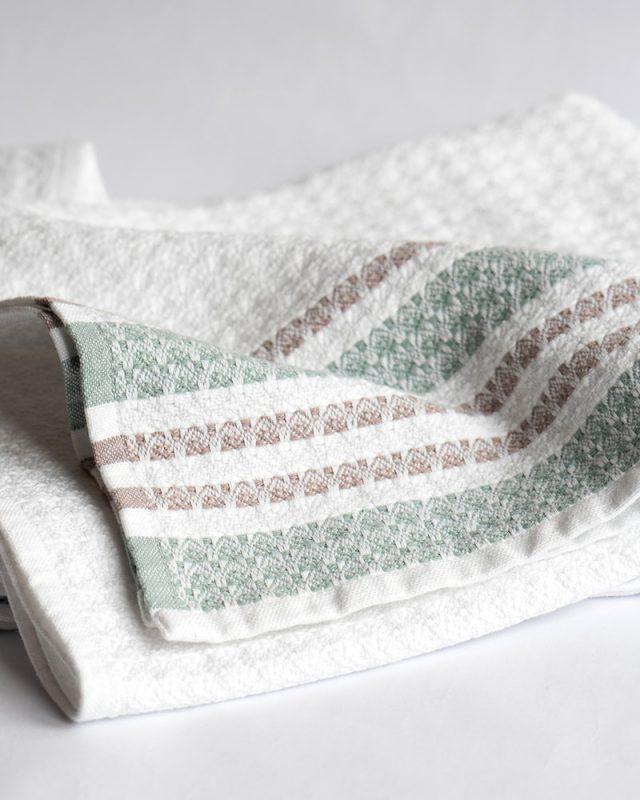 Mungo Aegean Towel - a GOTS-certified 100% organic bath sheet / hand towel. Made in SA